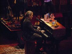 Hugh Laurie in Zagreb, YES! - News - Bubblews