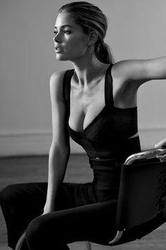Doutzen Kroes Photoshoot for WSJ Magazine by Josh Olins – March 2015 Doutzen Kroes, Playboy, Photography Poses, Fashion Photography, Wsj Magazine, Style Minimaliste, Mode Editorials, Fashion Editorials, Minimal Fashion