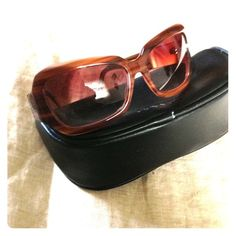 """Oliver People's """"Athena"""" sunglasses Olive tortoise/Pink Oliver People's """"Athena"""" sunglasses. Like new, free of scratches, glamorous shape! This style is no longer in production! Get it now! Comes with original leather, zip case. Oliver Peoples Accessories Sunglasses"""