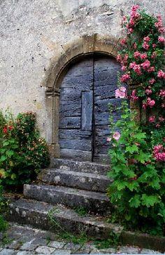 Vezelay  ~  France Treppen Stairs Escaleras  repinned by www.smg-treppen.de #smgtreppen