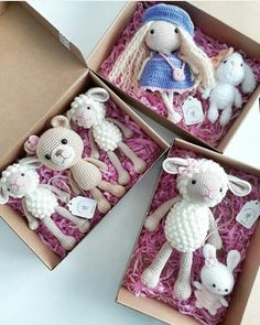 How cute are these amigurumi?  Love the sheep.