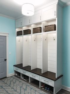 ✓ 70 Attractive Farmhouse Mudroom Entryway Ideas - Even a shallow house, just like the one pictured right here, can perform as a mudroom with artistic storage design. Mudroom Cubbies, Mudroom Cabinets, Mudroom Laundry Room, Laundry Room Organization, Laundry Room Design, Locker Storage, Mud Room Lockers, Mudroom Benches, Diy Locker