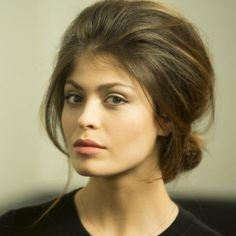 Notre #LeçonDeCoiffure  http://www.elle.fr/Beaute/Cheveux/Coiffure/coiffure-retro-2962350