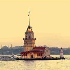Leander's Tower also known as The Maiden's Tower is a tower lying on a small islet located at the southern entrance of the Bosphorus strait 200 m yd) from the coast of Üsküdar in Istanbul, Turkey. Butterfly Eyes, Turkey Images, Istanbul Travel, Tower Building, Kusadasi, Most Beautiful Images, Pamukkale, Hagia Sophia, Best Cities