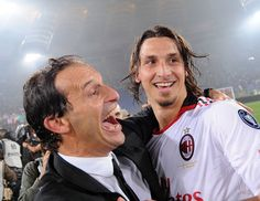 Zlatan Ibrahimovic Photos Photos - Massimiliano Allegri head coach of Milan and Zlatan Ibrahimovic of Milan celebrate the victory after the Serie A match between AS Roma and AC Milan at Stadio Olimpico on May 7, 2011 in Rome, Italy. - AS Roma v AC Milan - Serie A