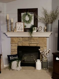 Decorating Mantle fireplace decor From Cluttered to Classy - A Rustic Glam Fireplace Makeover Home Living Room, Living Room Designs, Living Room Mantle, Christmas Fireplace Mantels, Fireplace Design, My New Room, Farmhouse Decor, Modern Farmhouse, Farmhouse Signs