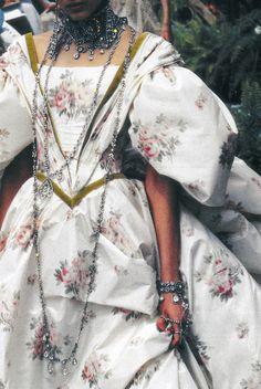 John Galliano for The House of Dior, Autumn/Winter Haute Couture John Galliano, Galliano Dior, French Fashion, High Fashion, Runway Fashion, Vintage Fashion, Club Fashion, 1950s Fashion, Victorian Fashion