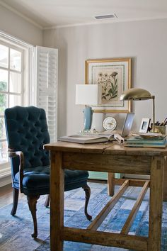Office_Blue Chair Farmhouse table / Love everything about this photo, incl the Mac… (E.Henderson)