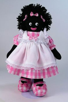 Another pinner wrote: Kate Finn gollywogs . I wish we could add them all to our collection Doll Clothes Patterns, Doll Patterns, African American Dolls, Doll Beds, Fabric Dolls, Rag Dolls, Doll Quilt, Love Sewing, Soft Dolls