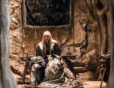 Ooooo! Another part of Thranduils' great halls! °·°