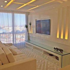 Bom Diaaaaa!! ❤️ Sala de TV linda para começar o dia!! [by Sergio Palmeira] #inspiração #decor #design #interiordesign #arquitetura…