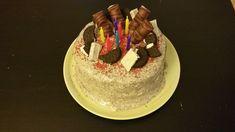 Τούρτα oreo Birthday Cake, Desserts, Food, Tailgate Desserts, Birthday Cakes, Meal, Deserts, Essen, Dessert