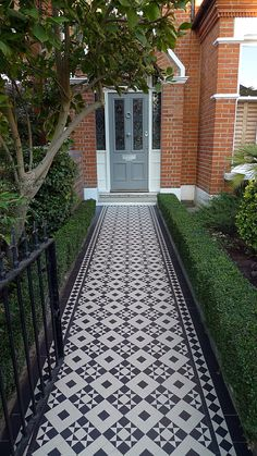 victorian black and white mosaic tile path battersea York stone rope edge buxus london front garden (14)