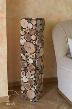 Original sculpture made with slices of branches of trees of different species, with which you can give a rustic and modern touch to your living room. This sculpture is called The Lighthouse. The sea is a natural source of inspiration of great beauty. All the elements of a seascape are