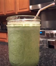 Food Hunter's Guide to Cuisine: Tropical Green Smoothie & A Giveaway