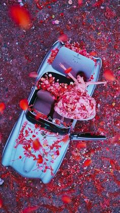 Meltem — Flower Shower You are free to use them! Aesthetic Images, Kpop Aesthetic, Aesthetic Wallpapers, Triple H, Korean Girl, Asian Girl, Hyuna Kim, Fandom Kpop, Flower Shower