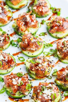 Spicy Tuna and Avocado Cucumber Sushi Bites Light and healthy spicy tuna 'sushi' with seasoned tuna on cucumber slices along with cool and creamy avocado! - Spicy Tuna and Avocado Cucumber Sushi Bites Tuna Recipes, Healthy Recipes, Seafood Recipes, Asian Recipes, Appetizer Recipes, Healthy Snacks, Healthy Eating, Cooking Recipes, Healthy Sushi