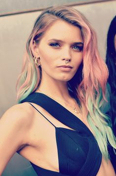 Abbey Lee Kershaw and her two-tone pastel waves at the 6th Annual amfAR New York Inspiration Gala. Big love.