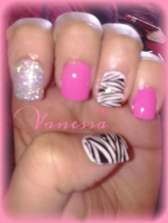 Zebra print nails with pink and glitter Follow my nail art creations ♥♥