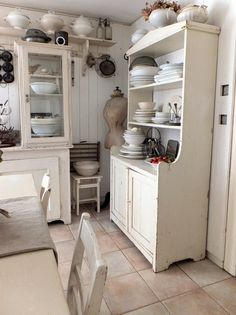 I'll make so many stews in this kitchen. And cheesecakes.