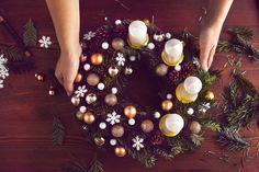 adventi koszorú 2019 - Google-keresés Winter Christmas, Xmas, Christmas Tree, Christmas Decorations, Table Decorations, Holiday Decor, Holidays And Events, Mint, Festive