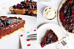 tarte with chocolate rasperries and blueberries | Köstliche Schokoladen-Beeren-Tarte