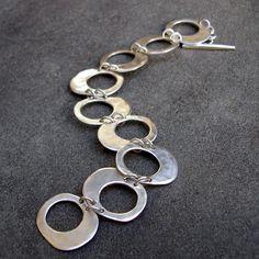 Sterling zilveren armband gehamerd Zilveren van lsueszabo op Etsy