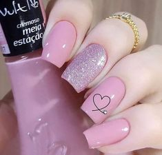 Semi-permanent varnish, false nails, patches: which manicure to choose? - My Nails Elegant Nails, Classy Nails, Stylish Nails, Simple Nails, Trendy Nails, Cute Nails, Pink Nails, My Nails, Pink Nail Art