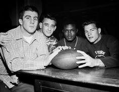 Alex Webster, Charlie Conerly, Emlin Tunnel, Frank Gifford. (Abt 1956)