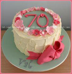 Afbeeldingsresultaat voor birthday cake ideas for mum 70th Birthday Cake Mum, Unique Birthday Cakes, Special Birthday Cakes, Novelty Birthday Cakes, Birthday Ideas, Happy Birthday, Big Cakes, Brownie Cake, Specialty Cakes