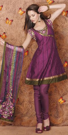 gorgeous sari Love this fashion flair in this great color! :)