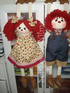 Bonequinhos pendurados João e Maria