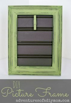 DIY Clothespin Picture Frame @Ⓤ CREATE