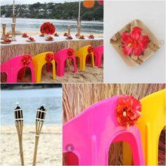 Fiesta Hawaiana en la playa en colores fucsia y amarillo. #fiestahawaiana #ideasparafiestas #fiestas