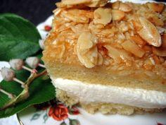 Mennonite Girls Can Cook: Bienenstich (Bee Sting Cake) beestingcake Amish Recipes, Cake Recipes, Dessert Recipes, Cooking Recipes, Dessert Ideas, Deep Fryer Recipes, Bee Sting Cake, Pennsylvania Dutch Recipes, Delicious Desserts