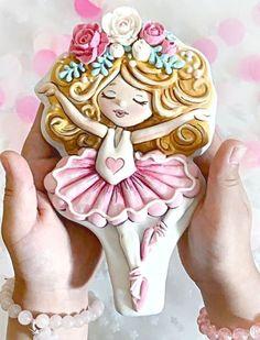 Valentine Cookies, Birthday Cookies, Galletas Cookies, Sugar Cookies, Gingerbread Icing, Gum Paste Flowers, Balerina, Custom Cookies, Childrens Party