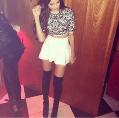 I need these thigh high leg warmers.....