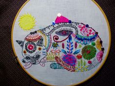 Doknommeaw-play - Cat embroidery Egypt style  #embroidery  colorful stitch play!