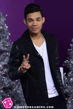 Roshon Fegan is working on a new acting project! Roshon Fegan, Disney Stars, Acting, Actresses, Female Actresses, Disney Channel Stars