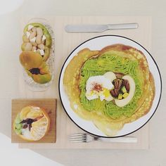 . gooooooood morning friday :-D))) . #goodmorning #morning #breakfast #yummy #goodfood #instafood #onthetable  #homemade #foodie #foodstagram #foodphoto #yum #2eat2gether #foodphotography #top_food_of_instagram #S_S_iloveBreakfast #朝食 #早餐 #朝ごパン #baking #crepes #烘培 #クレープ  #可麗餅 #avocado_apple_egg_crepe
