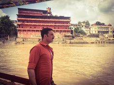 SEE PIC: Akshay Kumar takes a moment to admire the beauty of the holy Ganges
