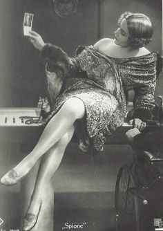 "From the German Silent film ""Spione"" / Spies, 1928, Directed Fritz Lang. Vintage Beauty, Vintage Glamour, Vintage Ladies, Vintage Woman, Brigitte Bardot, Old Hollywood, Hollywood Glamour, Flapper Girls, 1920s Flapper"