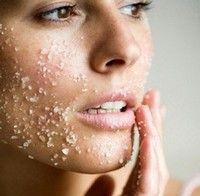 Cómo combatir el acné de manera eficaz - Actualmente la ciencia ha avanzado mucho en lo que se refiere a conocimientos sobre el acné y se han descubierto nuevas formas y técnicas de hacer su prevención y tratamiento. A continuación verás 5 preguntas y respuestas importantes en lo que se refiere no sólo al tatamiento del acné, sino también a los cuidados de la piel en general. Sigue leyendo: http://saludtotal.net/como-combatir-el-acne/