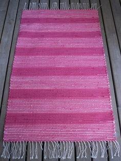 Iloinen pinkki - matto