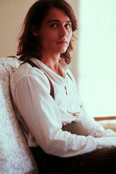 """Johnny Depp in Benny and Joon Sam = the perfect man. Simple, silly, sexy, sweet & will love you for who you are/can see the beauty behind the """"crazy"""" Young Johnny Depp, Johnny Depp Movies, Beautiful Boys, Gorgeous Men, Pretty Boys, Tim Burton, Benny And Joon, Jonny Deep, Hollywood"""