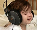 SeniorenNet - Grappig of Schattig - music was my first love So Cute Baby, Cool Baby, Baby Kind, Baby Love, Cute Babies, Baby Baby, Babies Pics, Funny Babies, Funny Kids