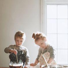 @erobyn cherubs captured like a Vermeer.  How's everyone's baking going ? #kidscook #holidaybaking #owbrooklyn