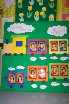 Birthday Calender, Birthday Board, Classroom Displays, Classroom Themes, Birthday Charts, First Day School, Art Cart, Paper Wall Art, Preschool Graduation