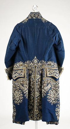 Court suit (image 2) | French | late 18th-early 19th century | silk, metallic thread, paste | Metropolitan Museum of Art | Accession Number: 1983.384.1a–c