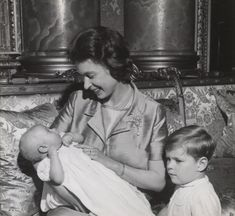 Prince Andrew, Prince Edward, Windsor, Royal Family History, Prins Philip, King Queen Princess, Queen Victoria Descendants, Young Queen Elizabeth, Royal Family Pictures